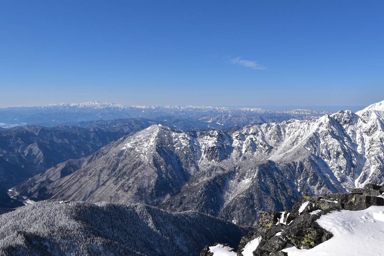 西穂高岳から眺める白山