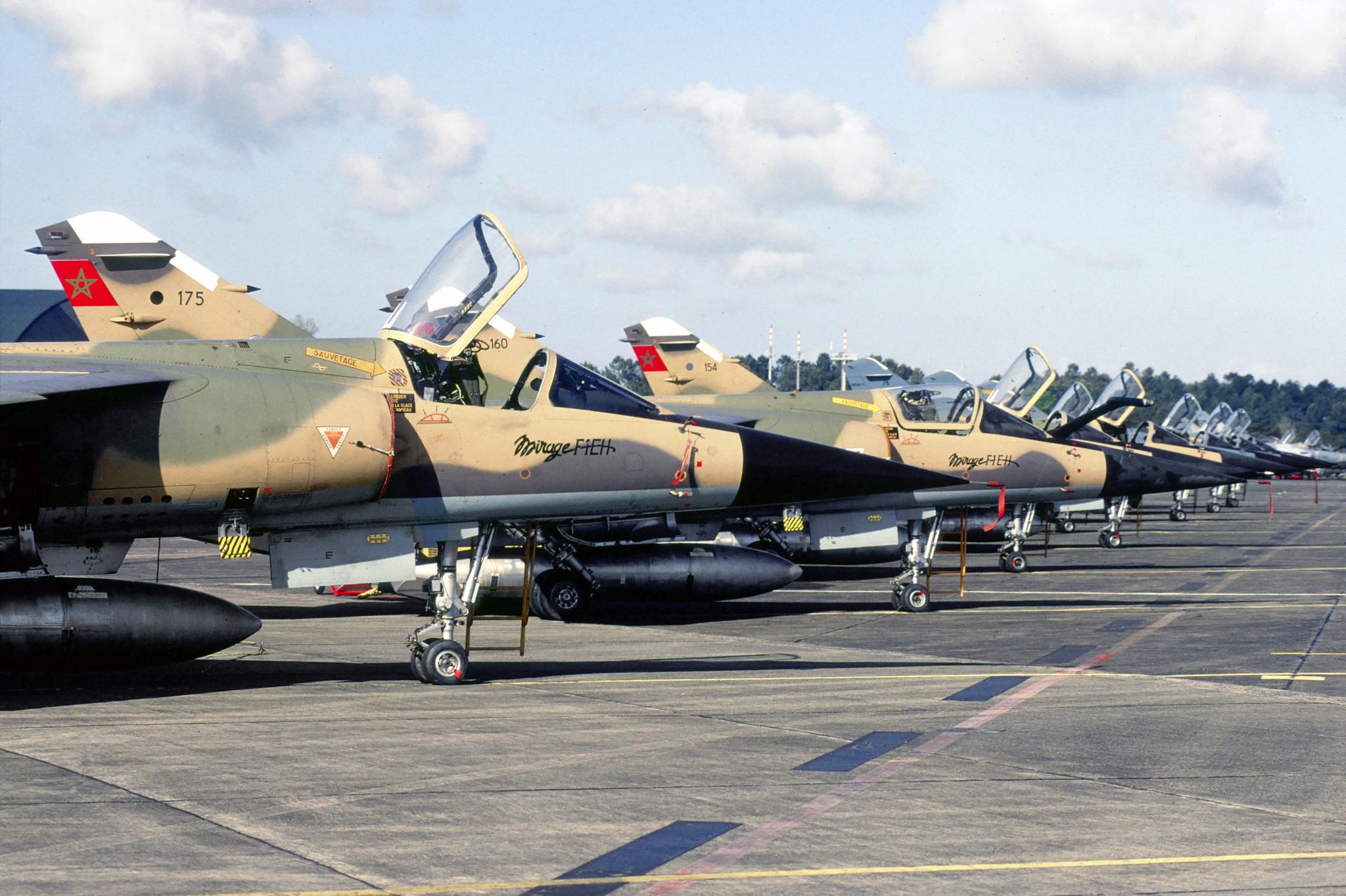 FRA: Photos Mirage F1 - Page 15 47066831621_edd79ec9bd_o