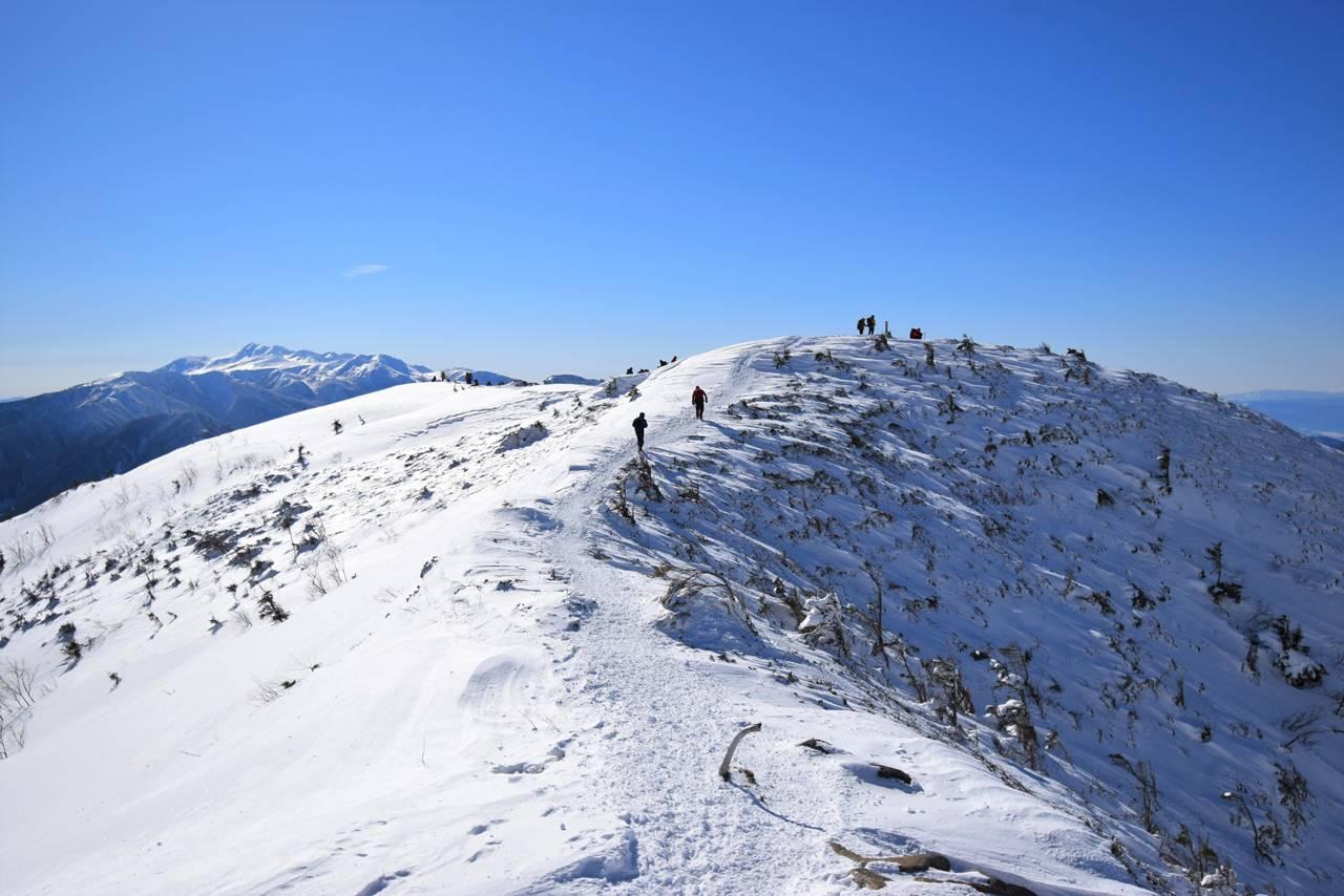 冬の西穂丸山