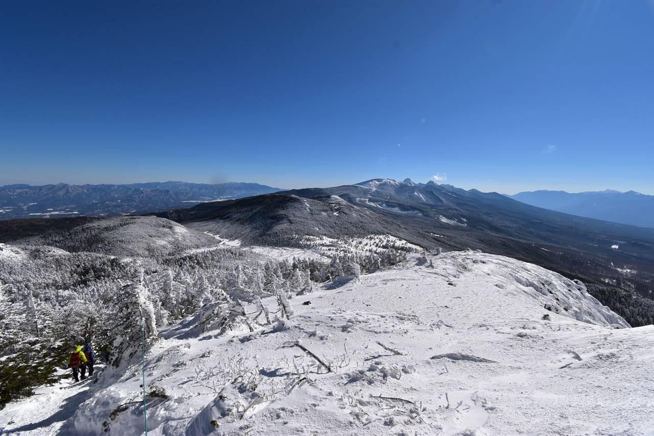 北横岳から眺める南八ヶ岳