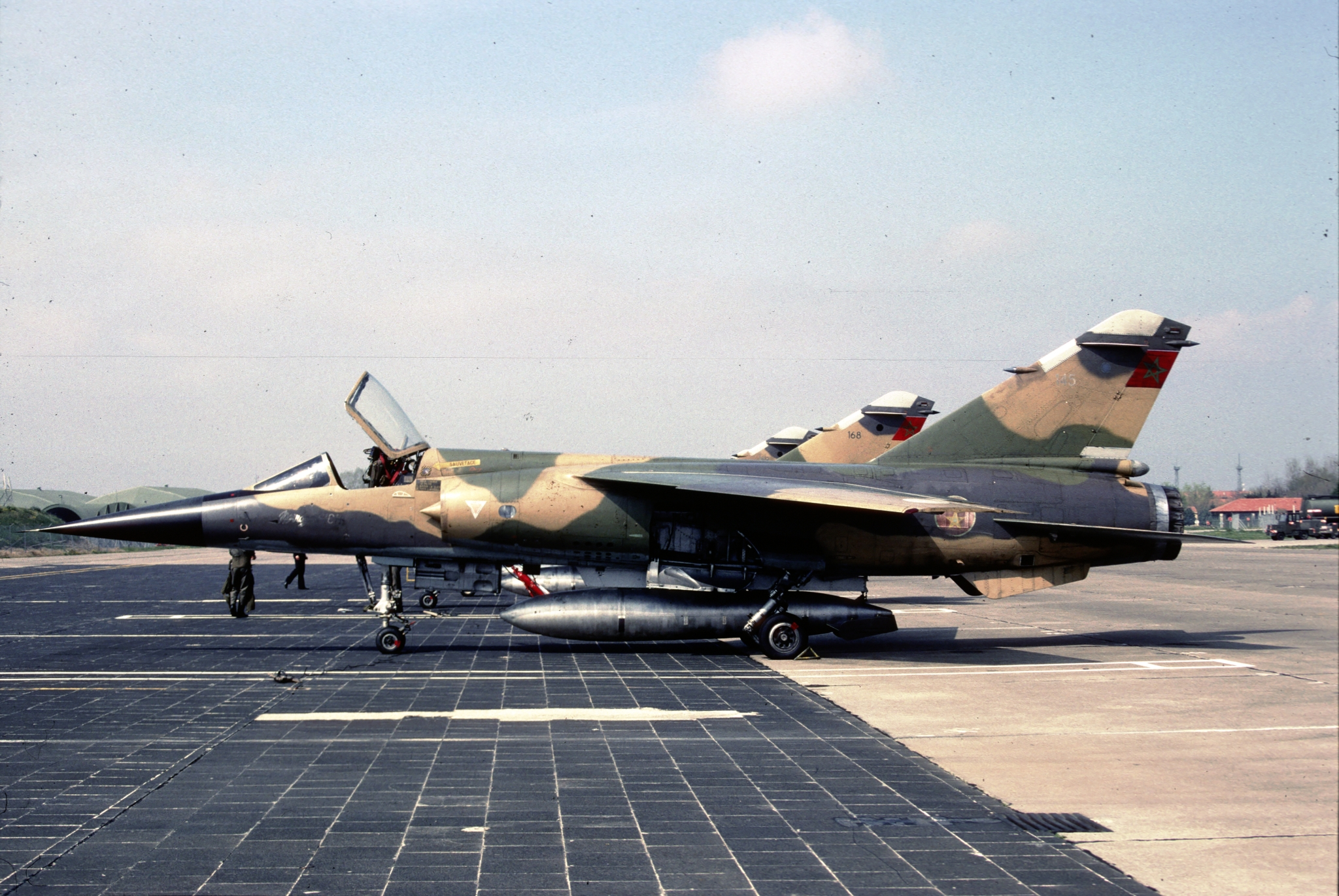 FRA: Photos Mirage F1 - Page 15 32731475218_2f772d57b4_o