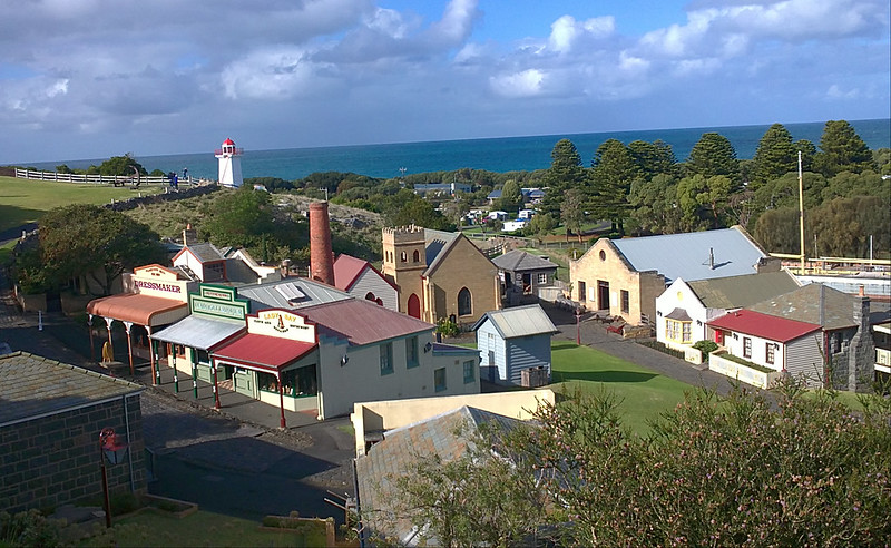 travelling small townships on the great ocean road
