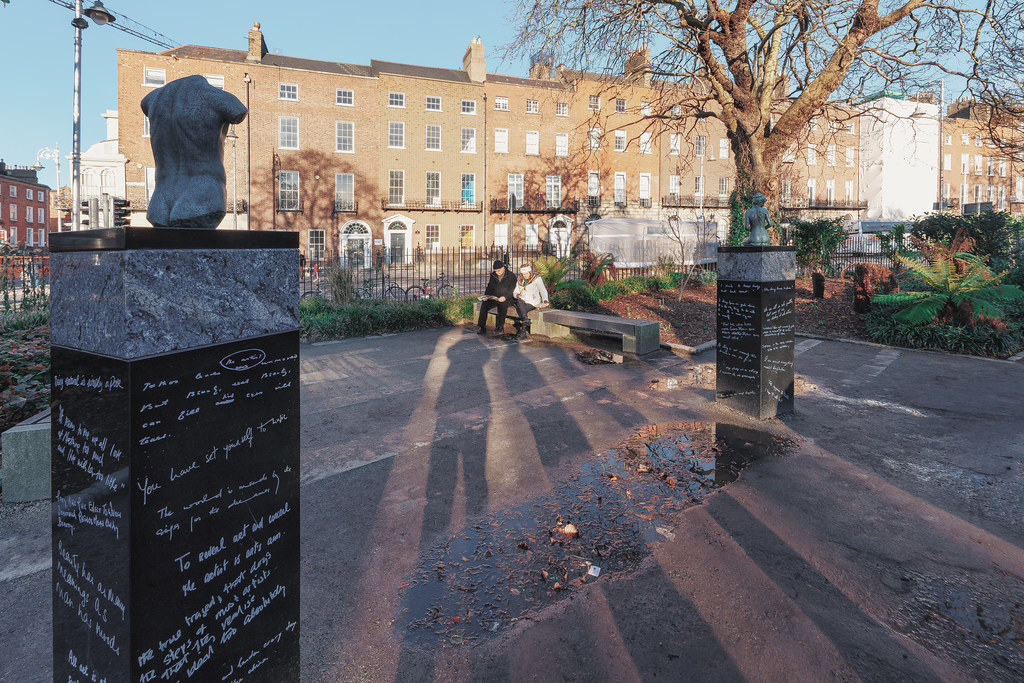 THE POPULAR OSCAR WILDE MEMORIAL BY DANNY OSBORNE  003