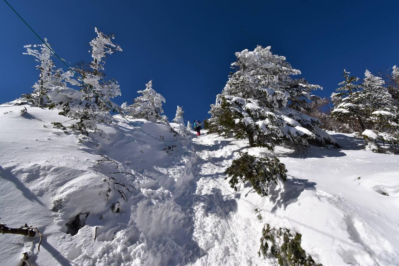 北横岳 最後の急坂