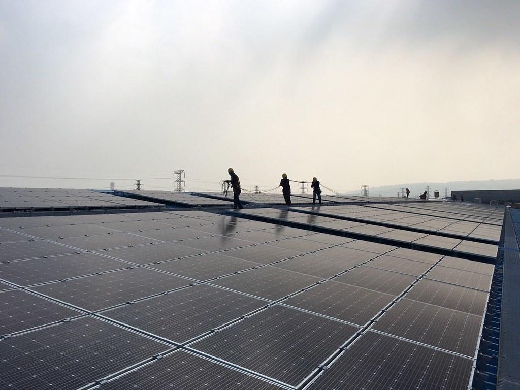 再生能源市場的需求與供給受到政策的影響