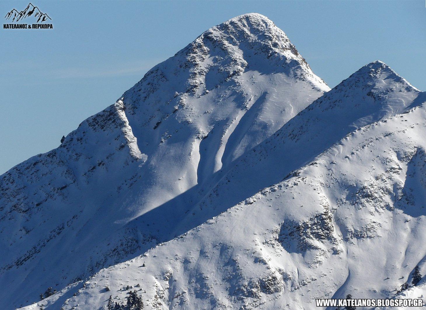 νεραιδοβουνι παναιτωλικου χιονισμενη βουνοκορφη