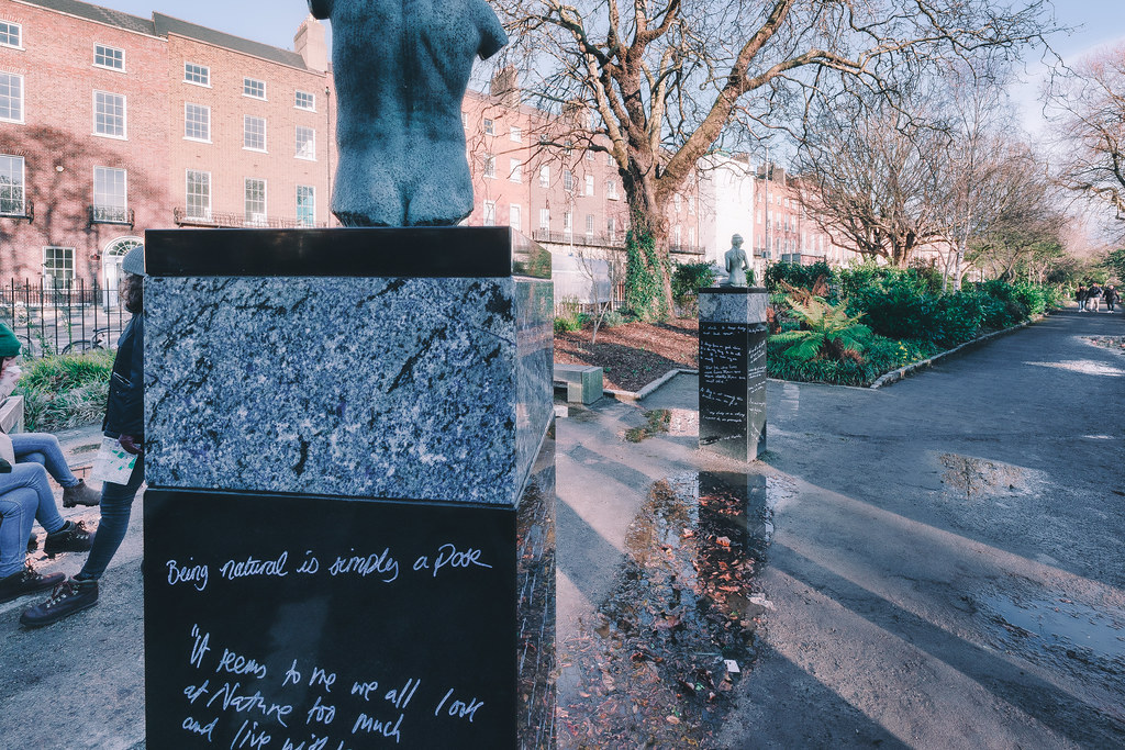 THE POPULAR OSCAR WILDE MEMORIAL BY DANNY OSBORNE  004