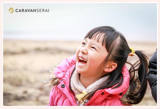 smiling girls, winter, Japan, 笑う女の子、冬の日本