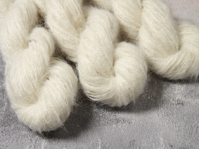 Fuzzy Lace – Brushed Baby Alpaca and Silk yarn 50g – undyed/natural white