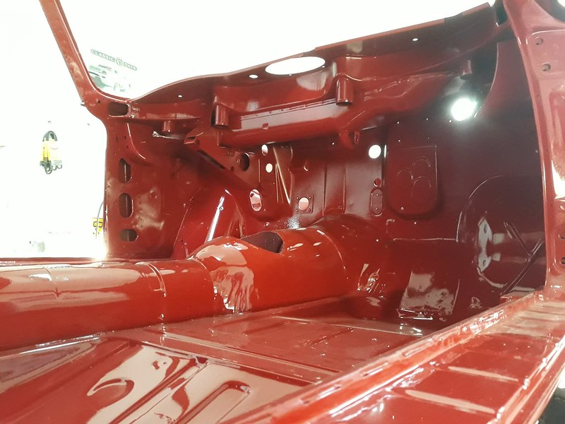 Alfa Giulia Sprint GTA Bertone coque nue en peinture Nielman Racing 39683846183_f08477039e_c