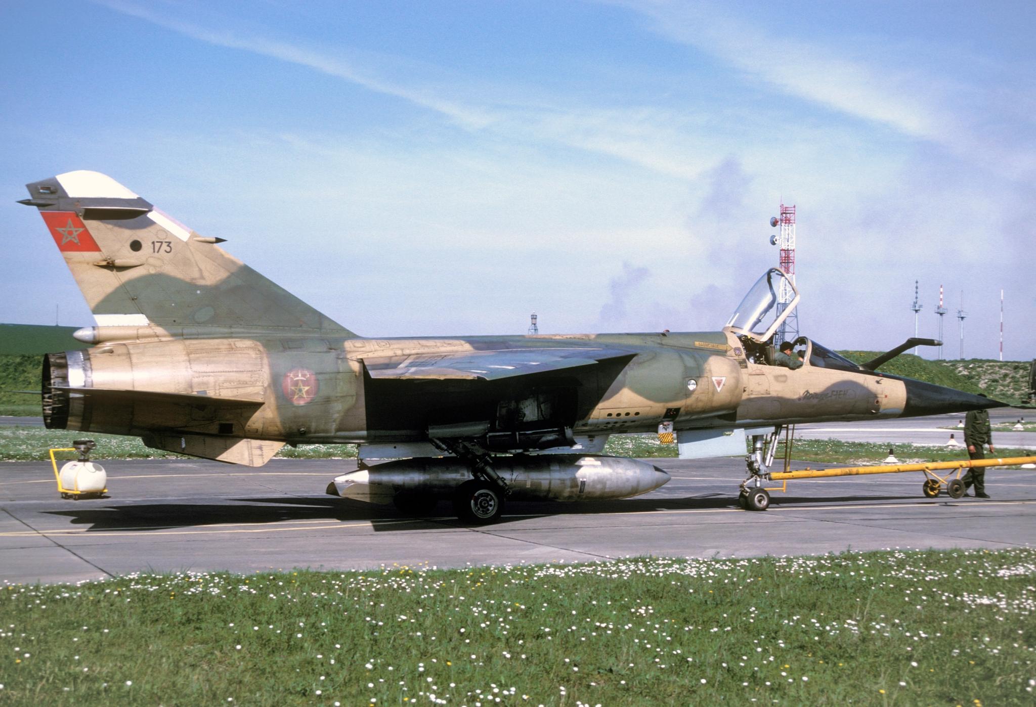 FRA: Photos Mirage F1 - Page 15 45971145734_fef00ff48e_o