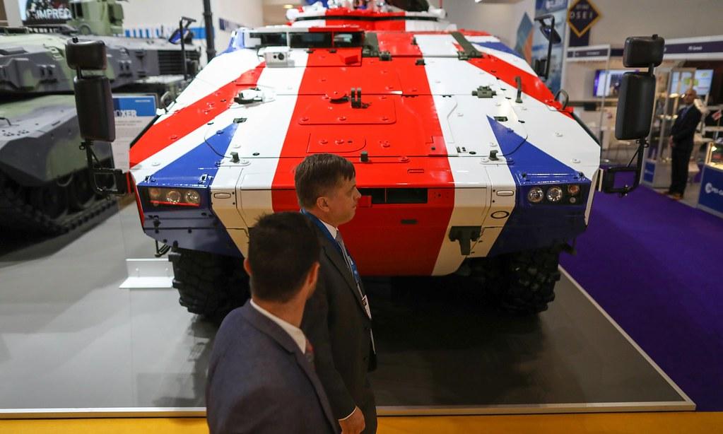 英國出口武器有1/3流向人權不佳的國家。(圖片來源:Bloomberg)