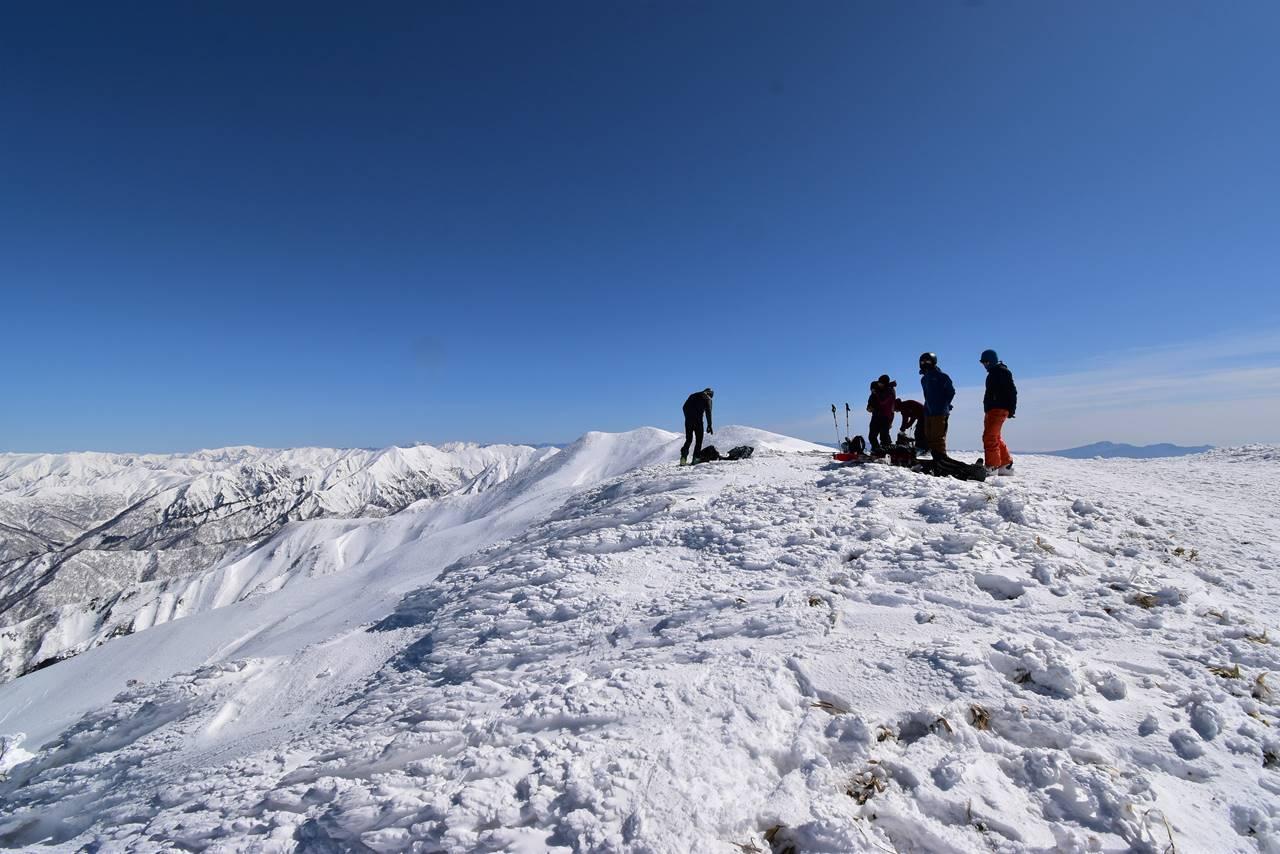 平標山山頂にいたフランス人スキーヤー