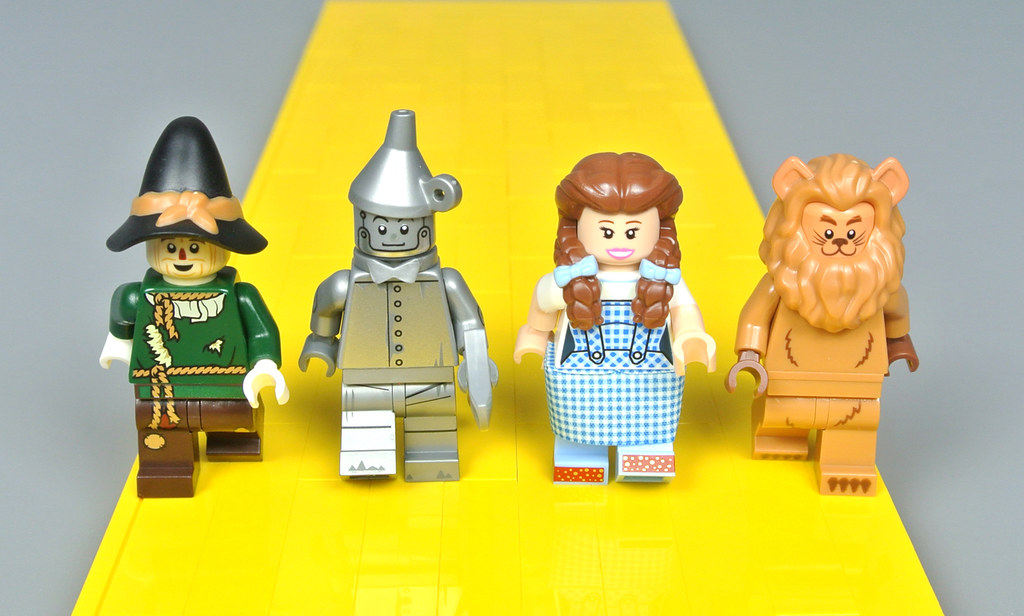 LEGO YELLOW BRICK ROAD WIZARD OF OZ MINIFIGURE DISPLAY BASE MADE OF REAL LEGO