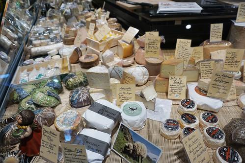 markthalle zurich cheeses