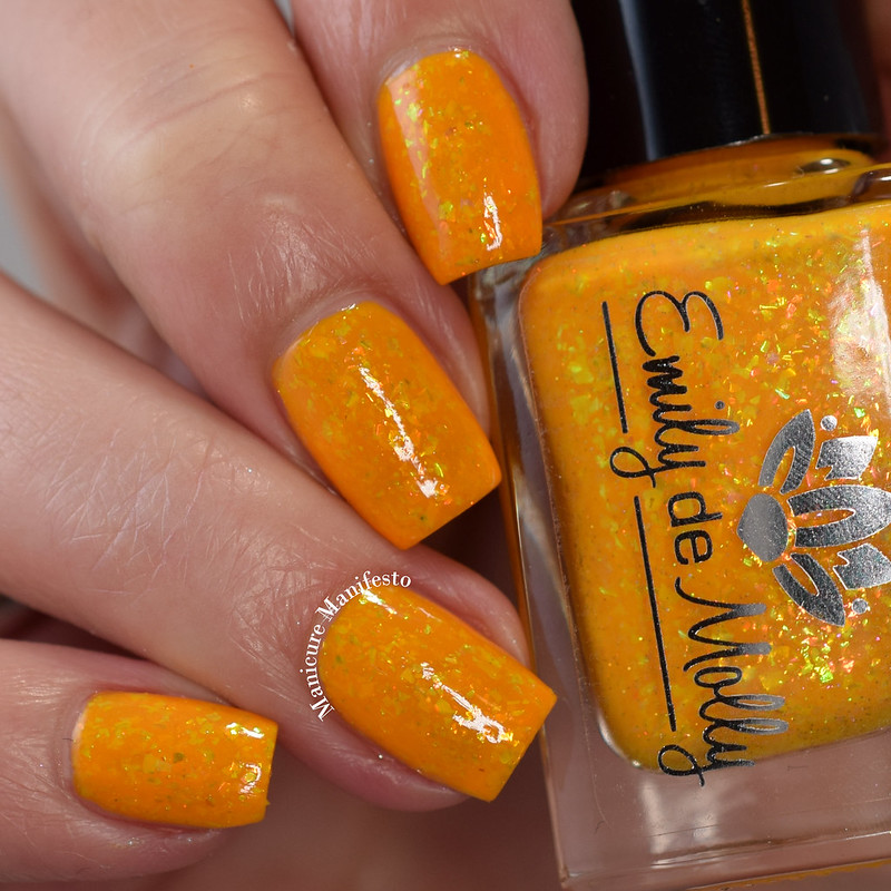 Emily De Molly Trips Abroad swatch
