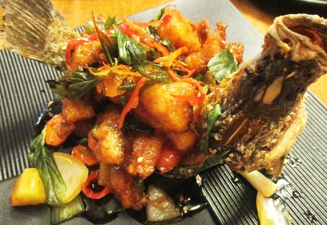 Sakhon sweet & sour fish