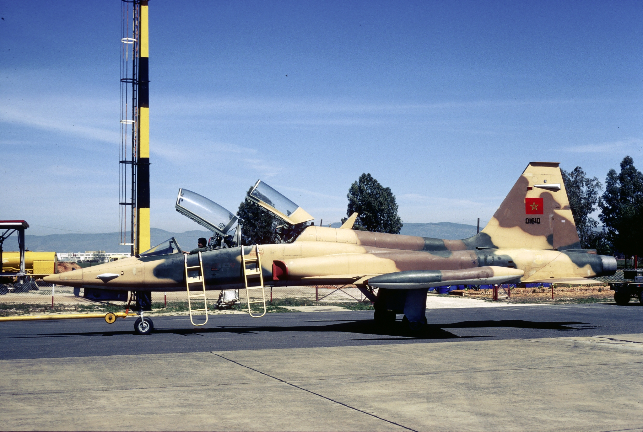 FRA: Photos anciens avions des FRA - Page 11 31665244917_7a5ac79bc0_o