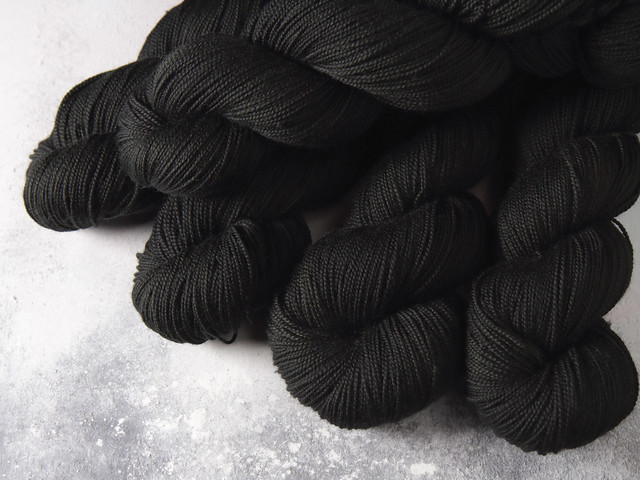 Favourite Sock – hand-dyed superwash merino wool yarn 4 ply/fingering 100g – 'Black, Like My Soul'