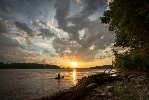 Notley Hawkins - Missouri River Sunset 2018