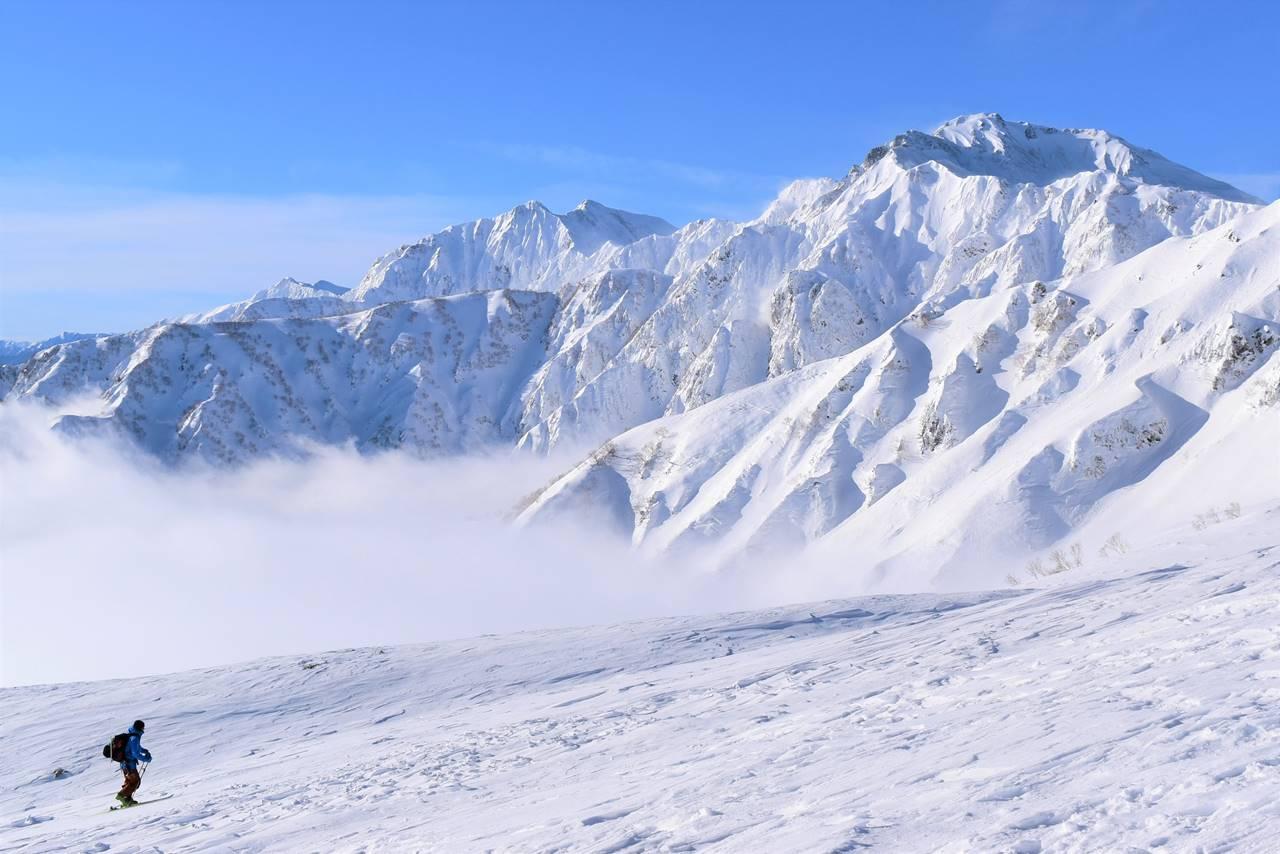 冬の北アルプス唐松岳 雪山登山
