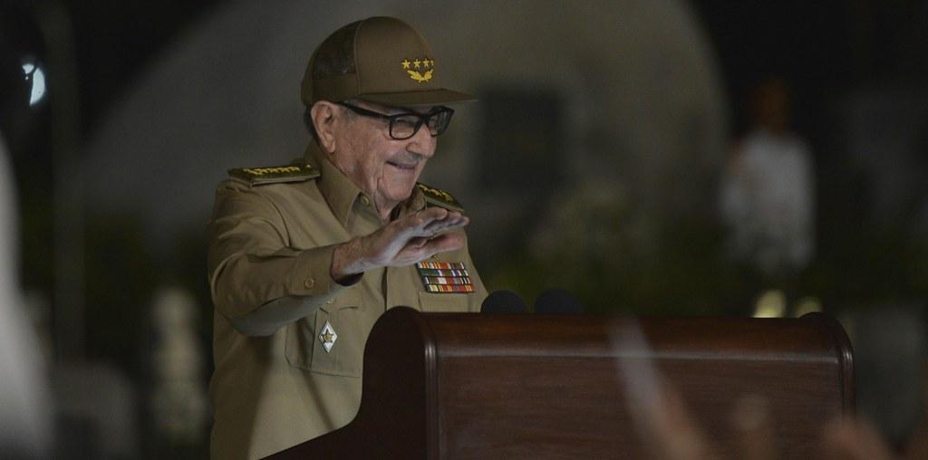 勞爾·卡斯楚於古巴革命60週年發表演說。(圖片來源:Yamil Lage/Reuters)