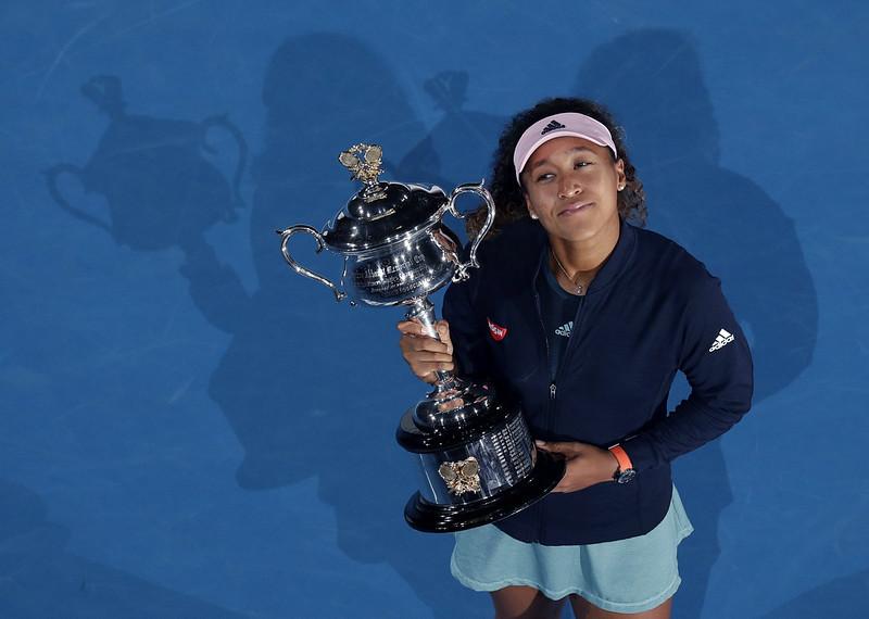 大坂直美勇奪生涯首座澳網女單金盃。(達志影像)