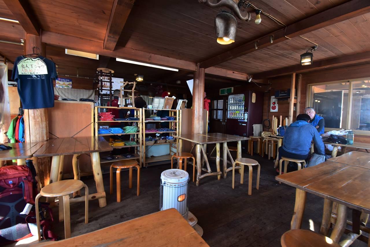 西穂山荘 食堂