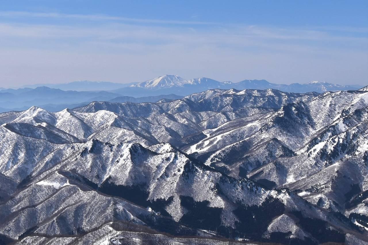平標山から眺める浅間山