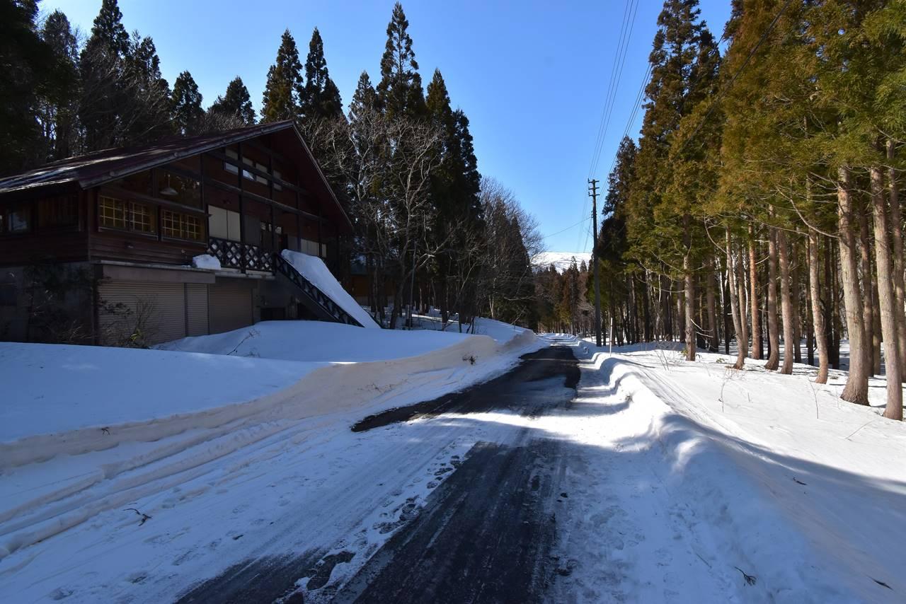 平標山 バス停までの林道