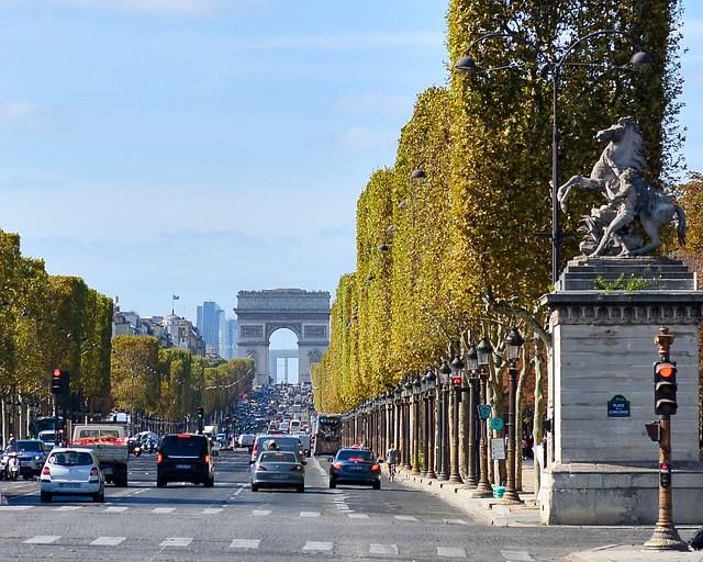 Campos Eliseos, uno de los lugares que visitar en París
