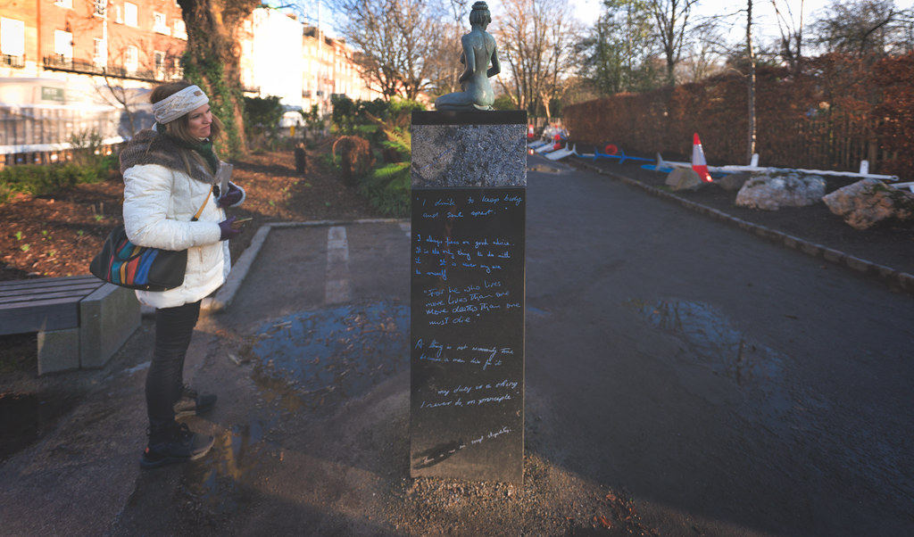 THE POPULAR OSCAR WILDE MEMORIAL BY DANNY OSBORNE  006