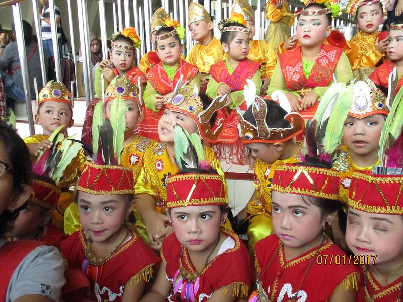 GEBYAR TARI DAN DRUM BAND  TINGKAT NASIONAL  DI TAMAN MINI INDONESIA INDAH