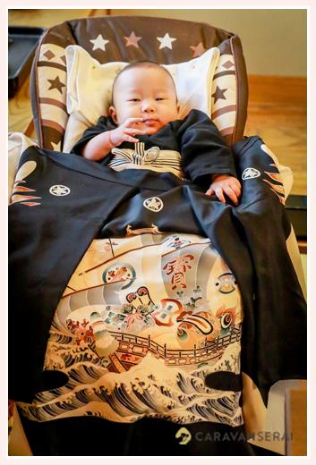 お食い初め 4か月半の男の子の赤ちゃん