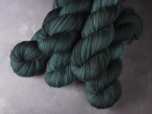 Favourite Sock – hand-dyed superwash merino wool yarn 4 ply/fingering 100g – 'Spirulina'