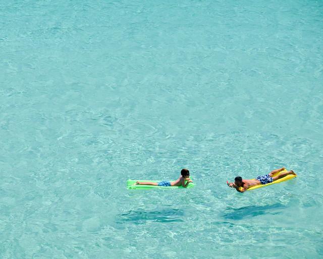 Una piscina natural de aguas transparentes en Menorca