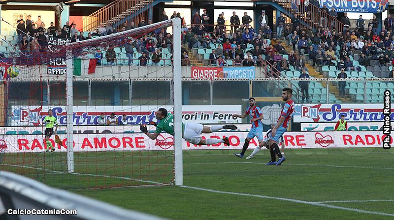 Il gol di Luca Calapai alla Cavese segnato al minuto 87