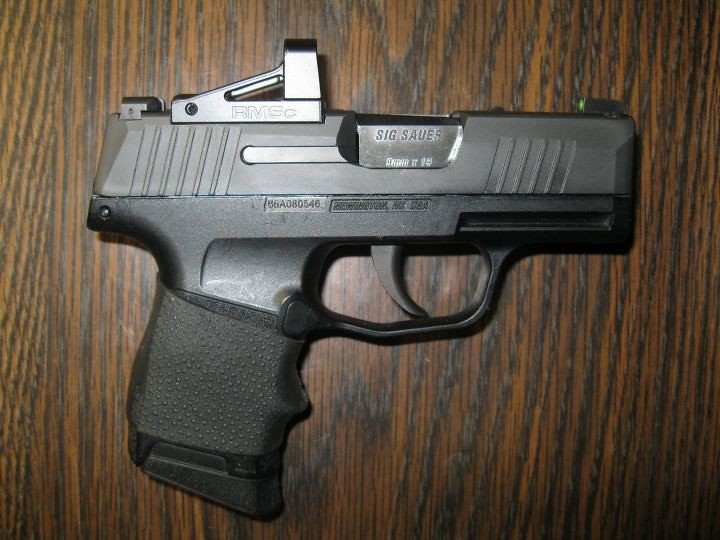 Shield Compact RMSc on a 365  Who cuts slides? - SIG Talk