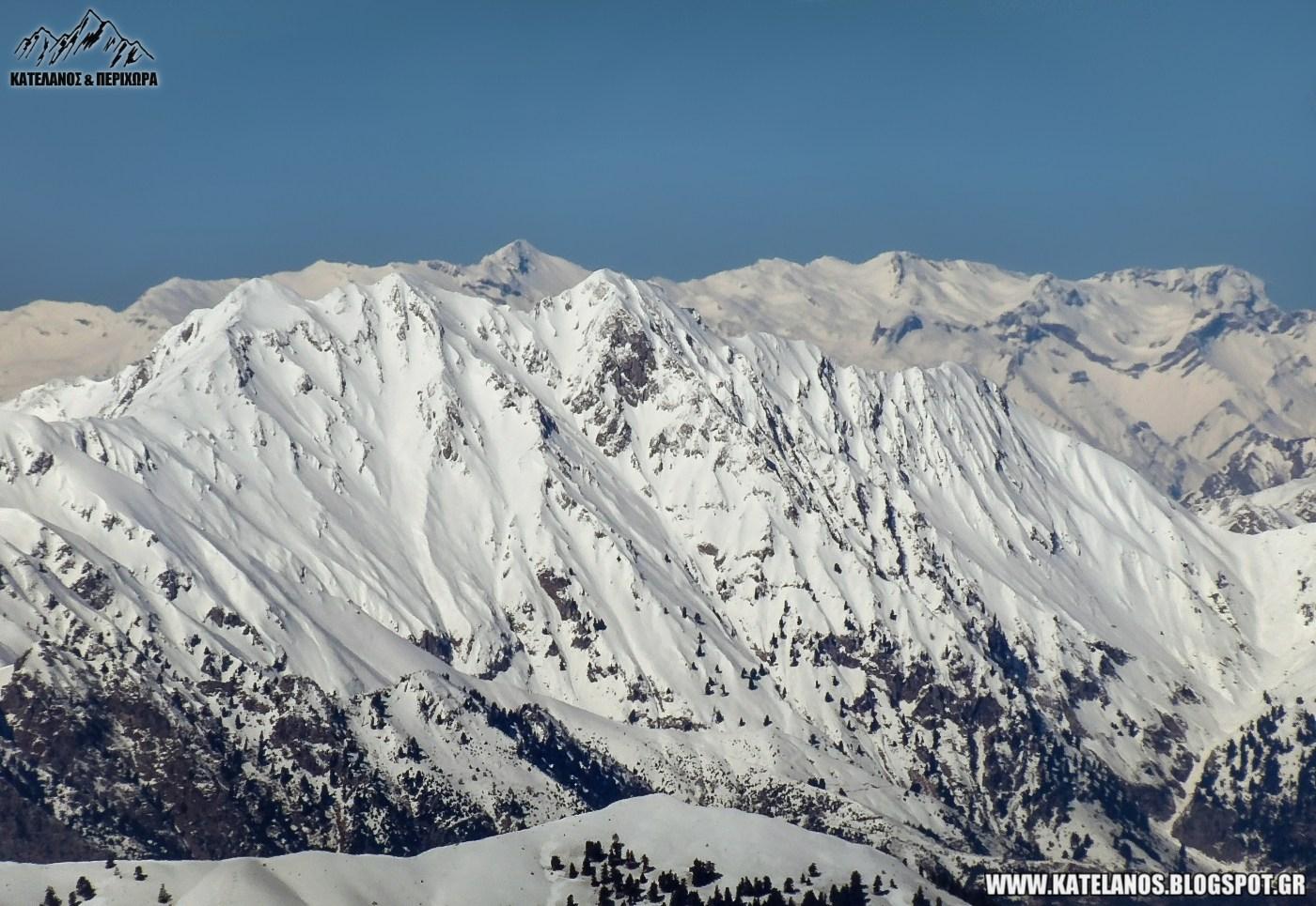 φτερη αγραφων βουνο αγραφα θέα από βελούχι