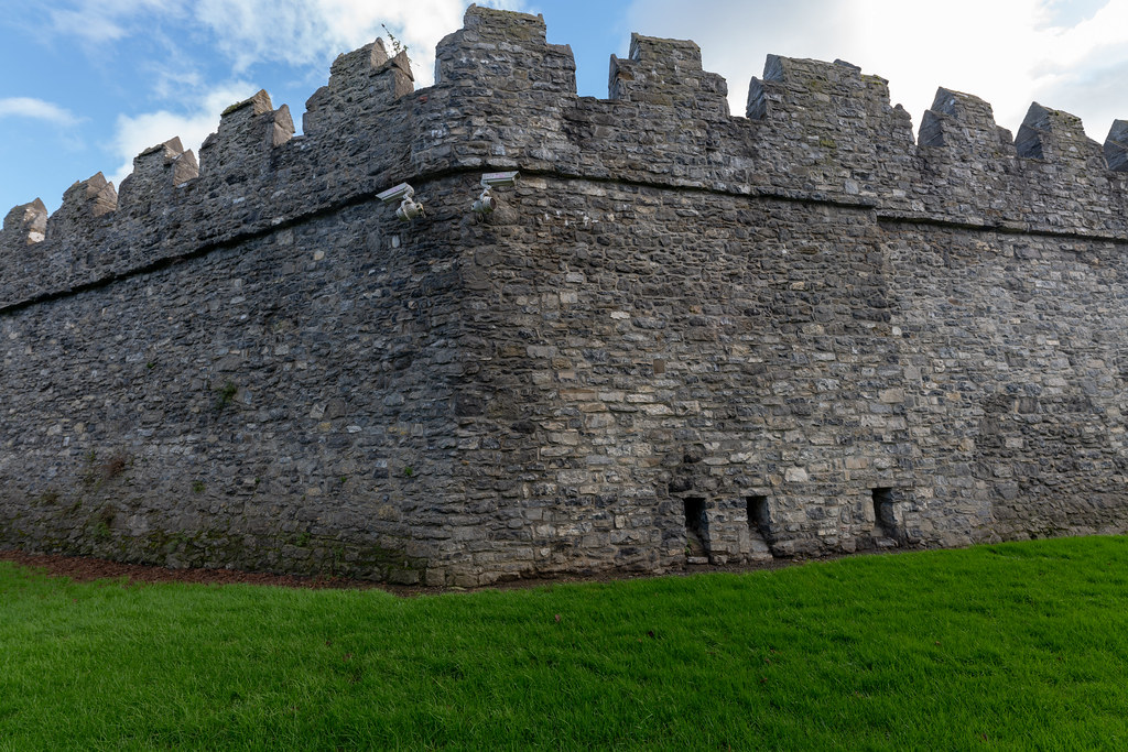 NORMAN CASTLE IN SWORDS 024