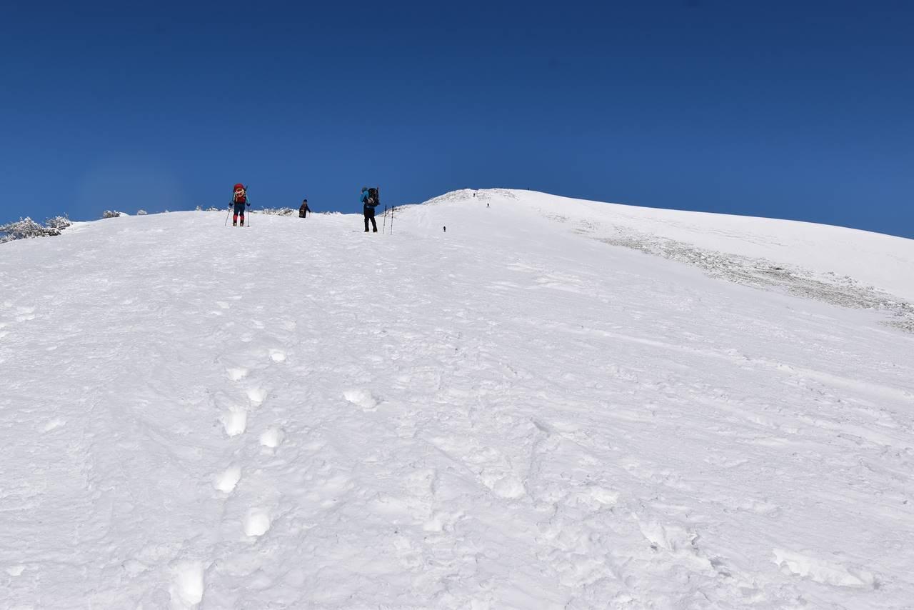 平標山~仙ノ倉山 日帰り雪山登山