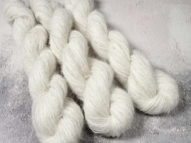 Fuzzy Lace – Brushed Baby Alpaca and Silk yarn 25g – undyed/natural white