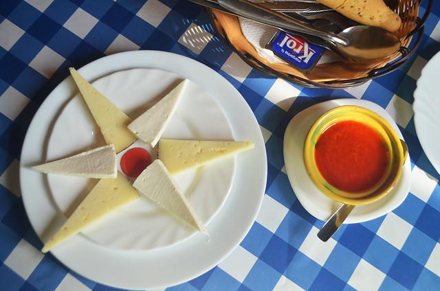 Cheese and mojo rojo, Tenerife
