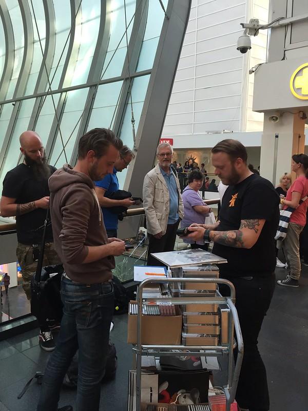 'Cast In Steel' CD signing at Platekompaniet