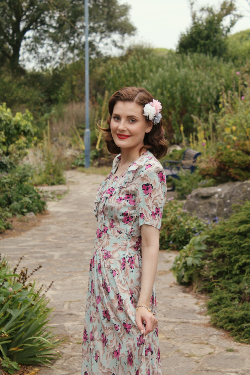 1940s vintage outfit via www.lovebirdsvintage.co.uk