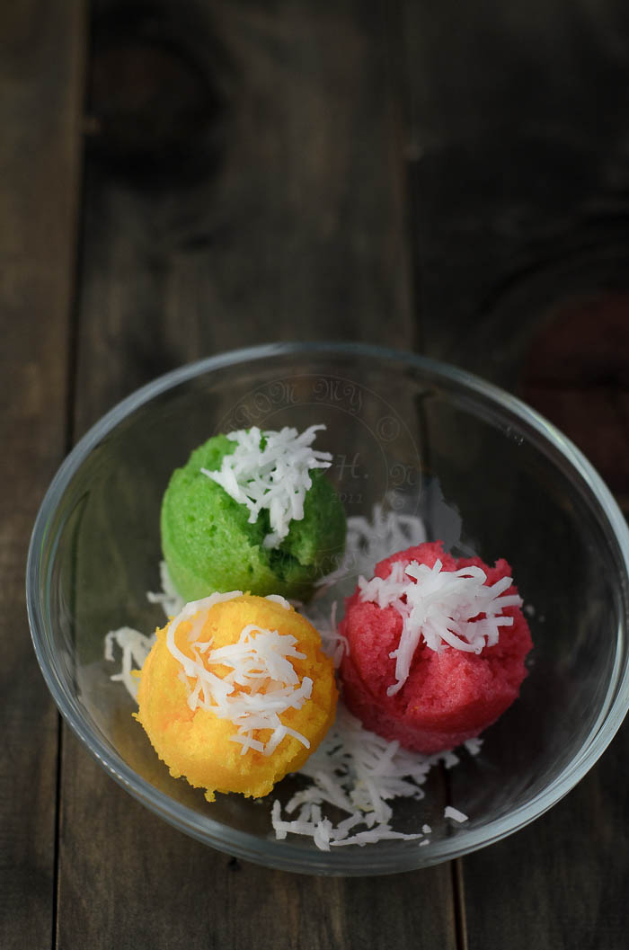 Gluten-Free Steamed Rice Cupcakes / Apam Beras