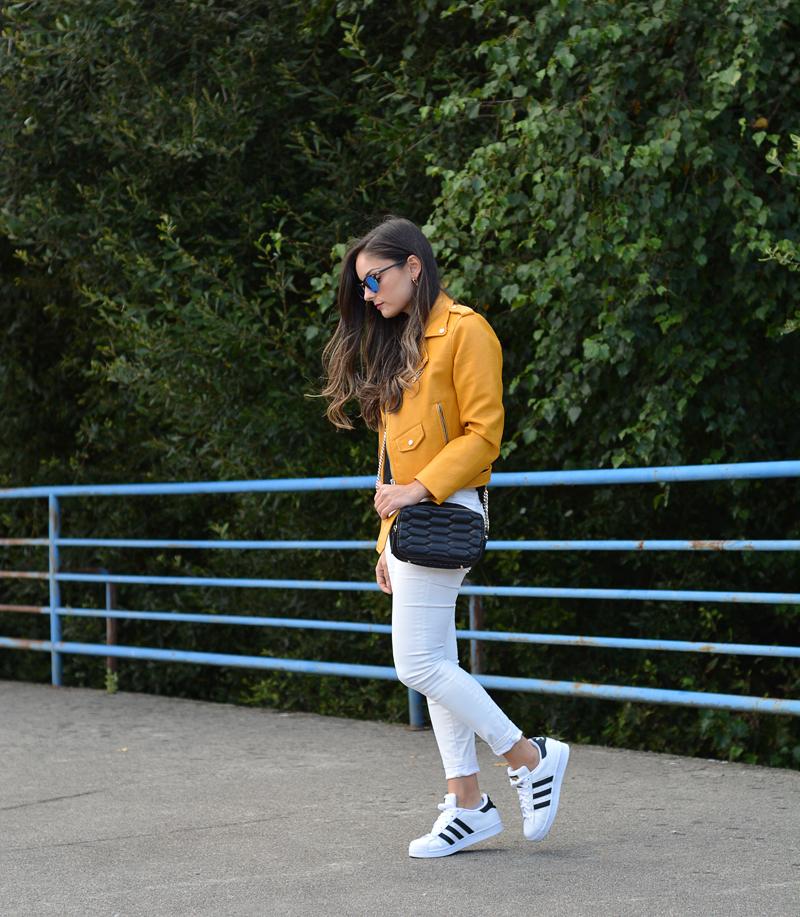 zara_adidas_retailmenot_sarenza_yellow_01