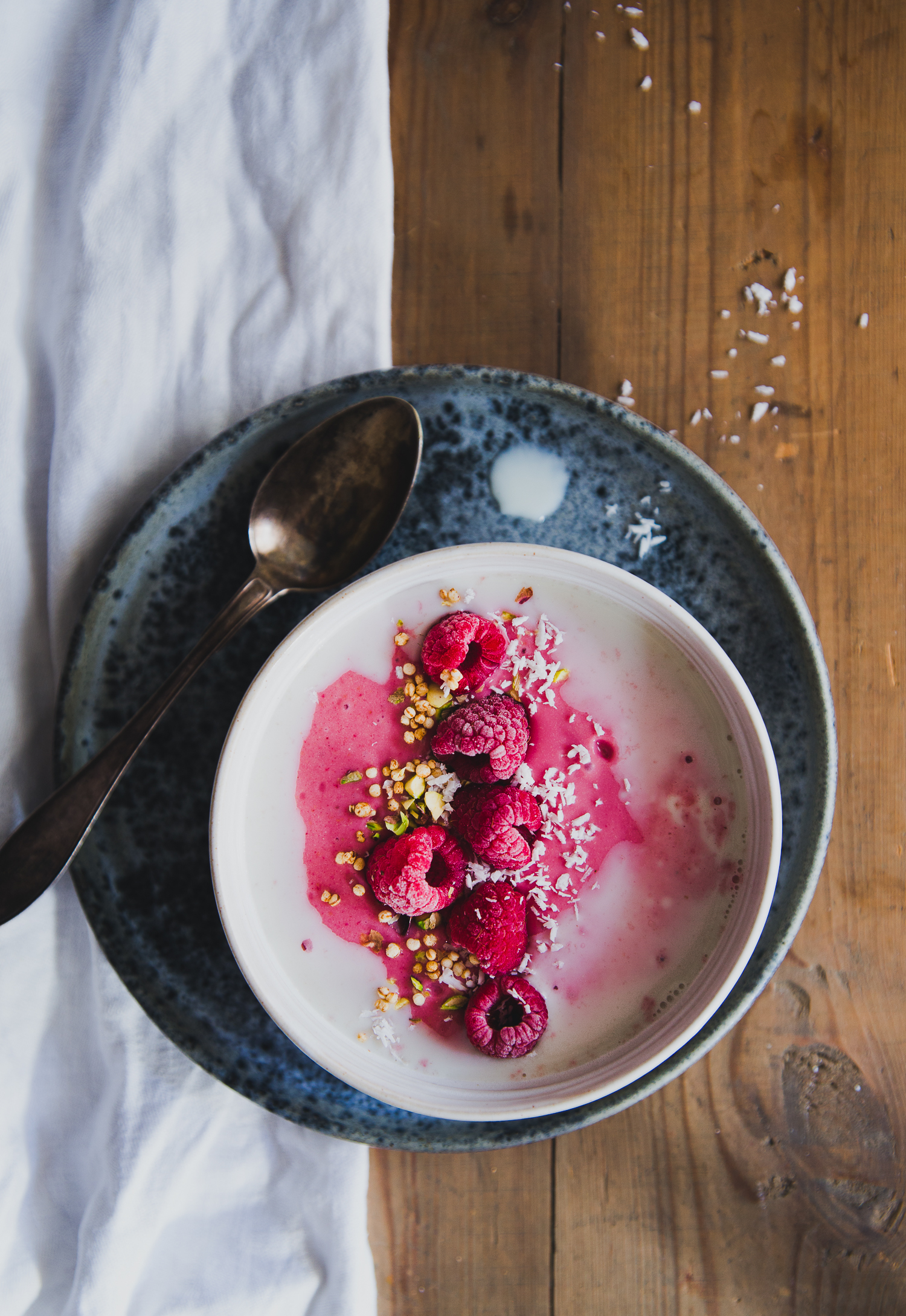 Raspberry & Peanut Butter Smoothie Bowl | Cashew Kitchen