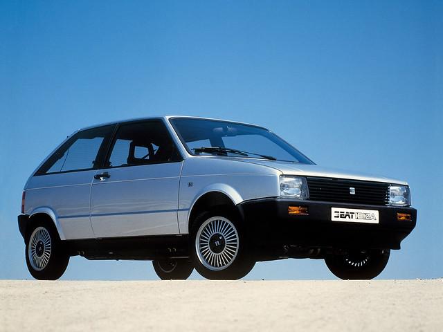 Трехдверный хэтчбек SEAT Ibiza I. 1984 - 1993 годы