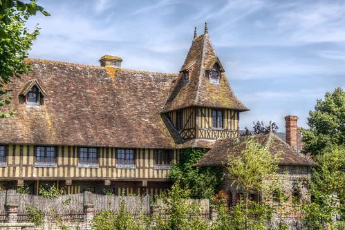 Beuvron-en-Auge - Half-timbered building
